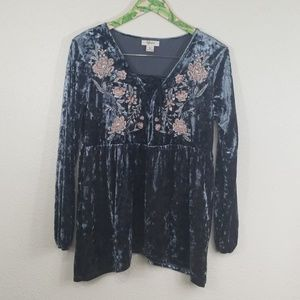 Style & Co crushed velvet embroidered babydoll top